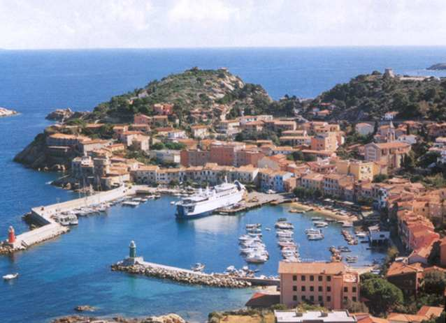Isola del Giglio Villages: Giglio Porto, Castello and Campese